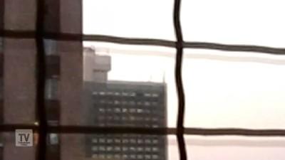 Луганск артобстрел многоэтажки рядом со зданием СБУ