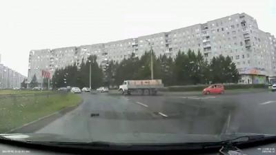 Страшный и опасный на красном Matiz. Северодвинск