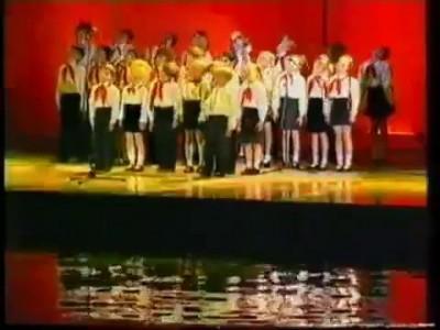 Детский хор - Наш притончик гонит самогончик