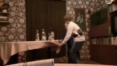 Michel & Sven - Der Tischdeckentrick - Teil 1