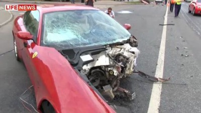 5 Ferrari врезался в столб в центре Москвы
