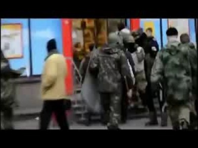 Фашисты из Правого сектора избивают людей!