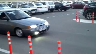 "Заниженный таз vs ""лежачий полицейский"" / Russian stupid guy on the road"