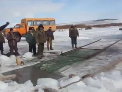 Так надо ловить рыбу!!!