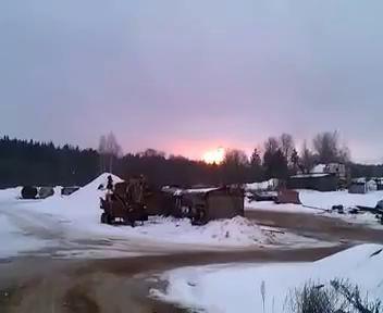 Торжок. Взрыв на газопроводе. Столб пламени над лесом.
