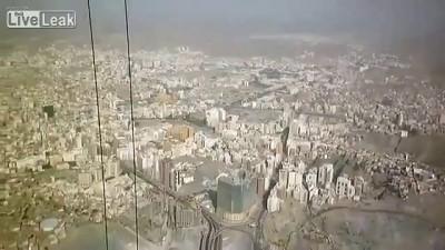 Видео, снятое строителями на высоте более 600 м ...