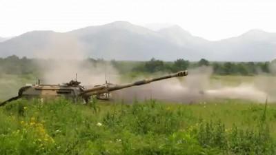 """Стреляют САУ 2С19 """"Мста-С"""""""