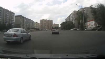 Подставы на дороге - за деньги под колеса