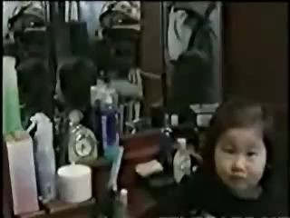 Японская девочка приведение в зеркале