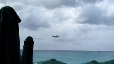 Boeing 747 landing on Saint Martin