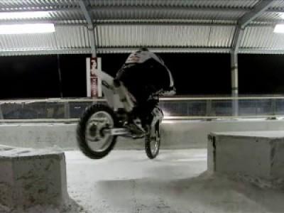 BMW Bike vs. BMW Bob Stunt