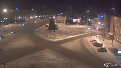 Дрифт КАМАЗА на центральной площади новосибирска