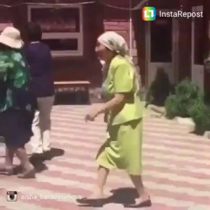 Мега танец школьницы