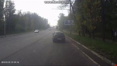 Сракер протаранил BMW X5!