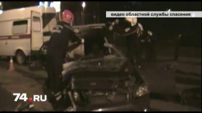 В Челябинске чудом спасли водителя машины, «намотанной» на столб