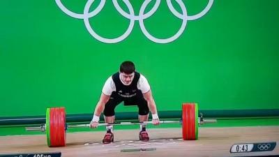 Армянский тяжелоатлет получил серьезную травму в Рио