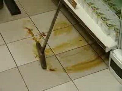 Мадам на rx8 заехала в аптеку