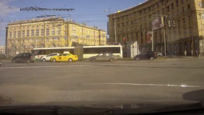 Не заметила автобус