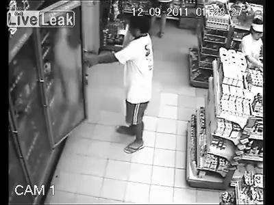 Полтергейст в магазине