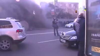 харьковский Оплот состоящий из бойцов рукопашного боя приехал разгонять майдан и получил по сусалам