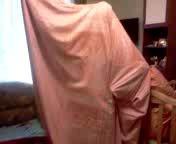 Как заправляют одеяло