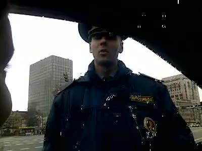 Инспектор остановил синее ведерко