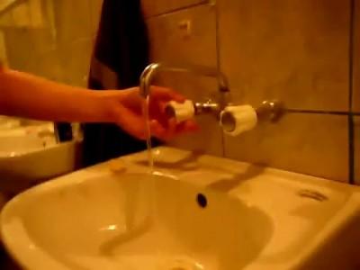 Странные звуки крана для воды