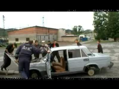 В поселке Бердяуш подростки сожгли ВАЗ