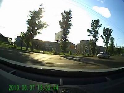 кавказцы нагло подрезают авто, но потом вынуждены извиняться. Ярославль, июнь 2013
