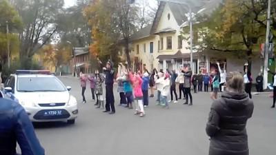 Танцы ДПС-ника