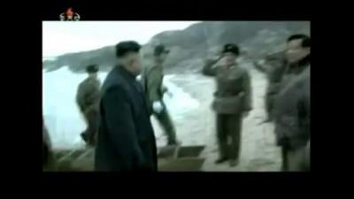 Ким Чен Ын вызывает экстаз у корейских солдат