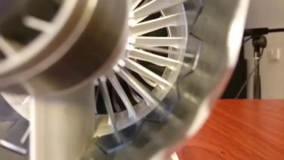 Mini engine of the Boeing 787 printed on a 3D printer