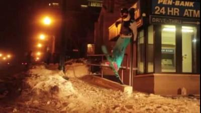 Лыжник подвис !