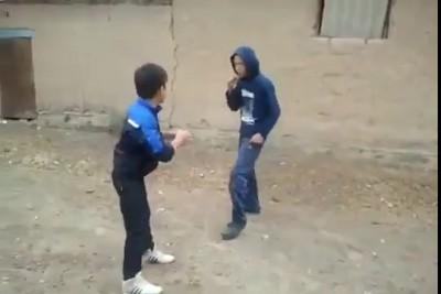 Драка, школьник борцух