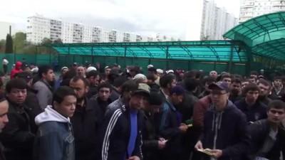 Реалии современной России. Уже требуют. В поддержку Ислама и Мусульман.