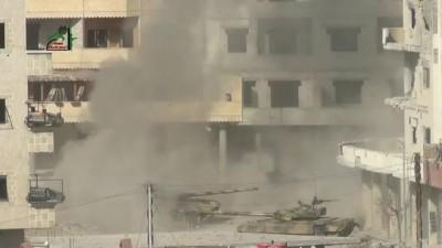 Сирия: фаер шоу из танка Асада в Дарайе 25.01.2013