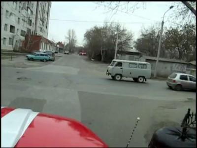 Как пропускают пожарную машину г. Омск.