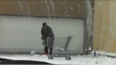 Американцы снег убирают