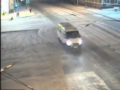 Джип протаранил ВАЗ / Toyota Prado rammed Lada 114