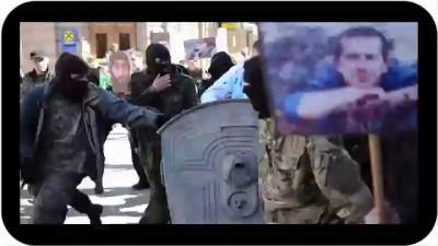 Украина-Правый сектор возит в мусорном баке начальника юстиции