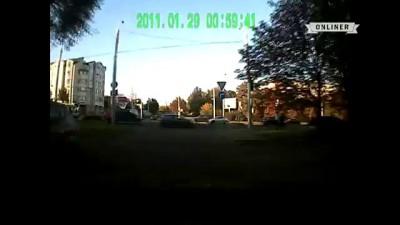 Минск: Конфликт водителя автомобиля и велосипедиста