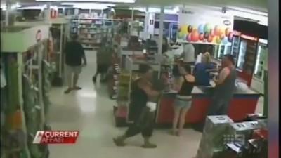 Австралия. Магазин. Спасли ребенка