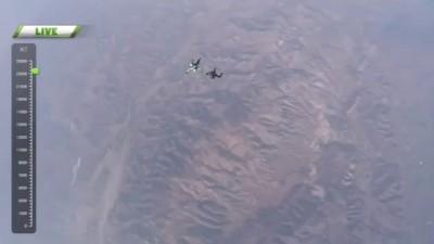 Захватывающие кадры: Скайдайвер совершил прыжок без парашюта с высоты 7600 метров