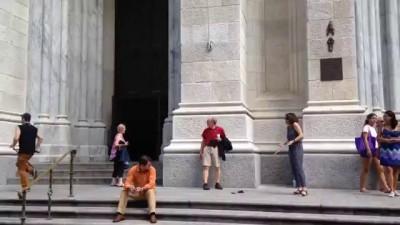 SELFIE STICKS DESTROYED IN NEW YORK!!!