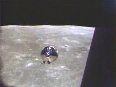 Аполлон 11 (?), быстролетящий объект на заднем плане