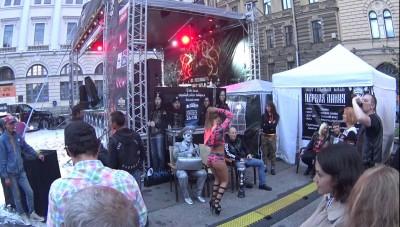 Веселые танцы на мотофестивале St.Petersburg Harley Days