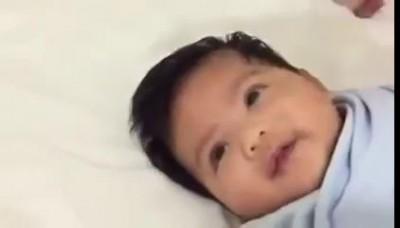 Трюк, как усыпить ребенка за несколько секунд