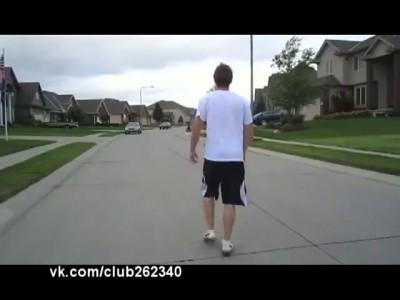 Прыжок через автомобиль