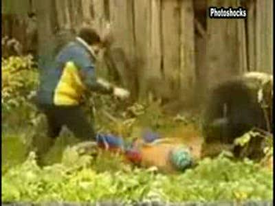 Медведь напал на людей