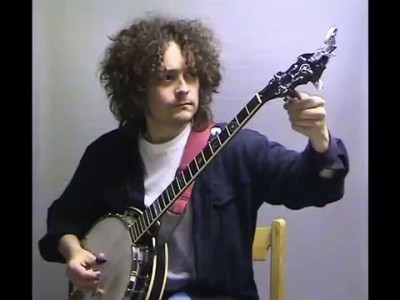 учемся играть на гитаре и банжо